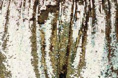 coqueterías - (via fahshion) #gold #sequins #texture