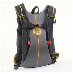 This kevlar protection backpack is intended to protect people living in countries where personal safety is not a guarantee. #lifestyle #design #travel #product #industrial #protection #outdoor