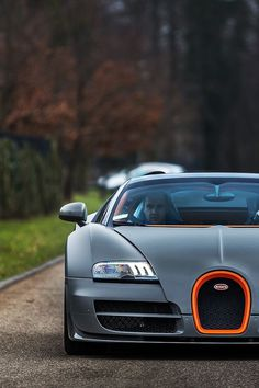 Bugatti – GENTLEMAN'S ESSENTIALS