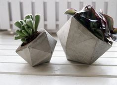 ANGL Modern Concrete Planter #concrete #frauklarer #planter #geometric #concreteplanter