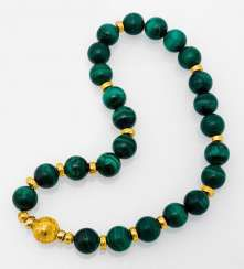 Malachite necklace with granulated Gold Buckle