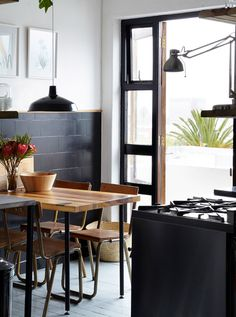 small, dark and dreamy / sfgirlbybay #interior #design #decor #kitchen #deco #decoration