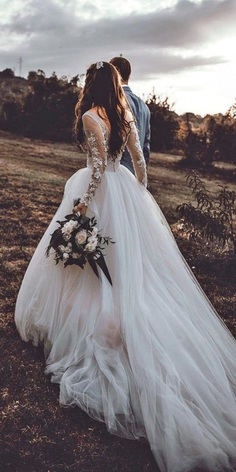 Lace wedding dresses with sleeves are perfect for every season, choose long sleeve wedding dresses