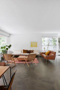 Japanese-Nordic style living space. Home of Barbara Hvidt and Jan Gleie. © Birgitta Wolfgang. #livingroom #concretefloor