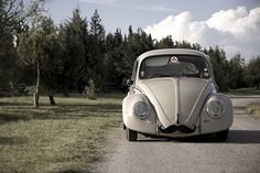 Google Reader (1000+) #beetle #car #moustache