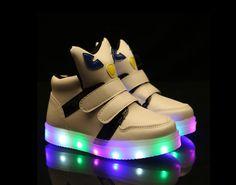 Children light-emitting cute shoes white