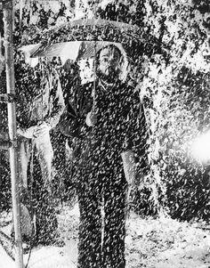tumblr_lzq93sqcPI1r858p5o1_1280.jpg (548×699) #kubrick #white #photo #black #photograph #and #stanley