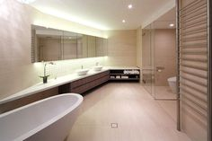Spacious and Sophisticated Apartment in Sydney - #bath, #interior, #decor, home, bathroom