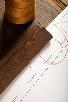 Qu'on identity leather branding corporate nive beuatiful illustration wood crafted handcraft minimal beautiful mindsparkle mag