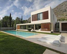 Impressive Summer House