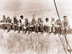 617508-img-lewis-hine-traverza-delnici-new-york-empire-state-building.jpg (999×755) #lewis #hine