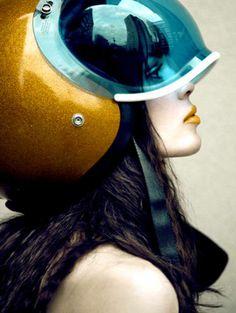 Futuristic Bubble Visor Helmet Knstrct 200 #bubbleshield #caferacer #helmet #moto