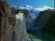 Big Thoughts from a Small Mind: Blind Spot: Black Narcissus #matte #narcissus #black #painting #film