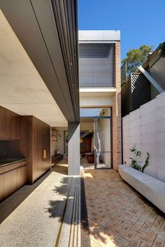 Weatherboard Cottage Extended by Welsh + Major Architects 1