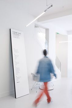Together Design: Condé Nast College of Fashion & Design #white #wayfinding