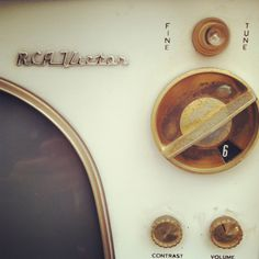Old Tv #old #script #retro #knobs #glass #buttons #brown #vintage #style #typography