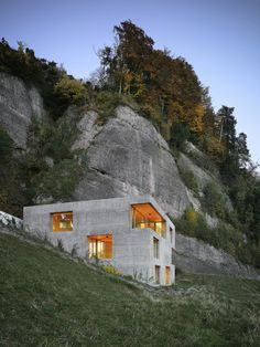 Holiday Home in Vitznau by Lischer Partner Architekten Planer #house #modern #orange #architecture #cement