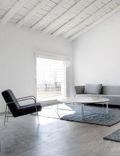 Modern living room. House in La Mancha by Benjamín Cano. © Belén Imaz. #livingroom