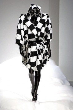 Gareth Pugh: Spring 2007 | Sgustok Design