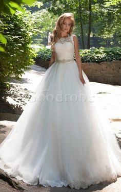 Robe de mariée vintage discrete avec perle manche nulle cordon