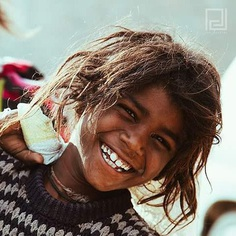 Smile is their only treasure. #jodhpur #streetphotography #love #compassion #streetkids #happyface #philkjoe