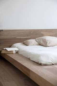 Bed #design #bed #bedroom #books #inspiration #interiors #reading #sleep