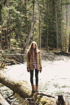 tumblr_mn7o9lxbWD1rnhyd1o1_1280.jpg (1280×1920) #tree #girl #nature #fashion #forest