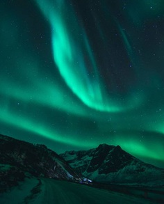 Spectacular Norway Northern Lights: Landscapes by Chris Robin Sivertsen