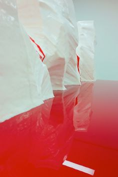 MY TUM—BLR IS BET—TER THAN YOURS #iceberg #red #installation
