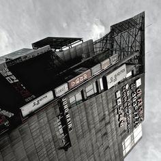 photo #korea #billboard #graphic #seoul #architecture #signs