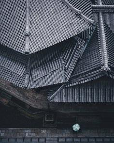 Cinematic Street Photos of Japan by Takashi Yasui
