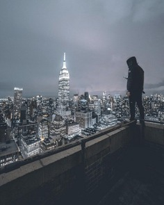 Liam Torres Captures Stunning Rooftop Photography in New York