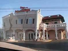 Ripley's Building (Niagara Falls, Ontario, Canada) #building #architecture #house #interesting