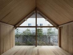 Yomogidai House by Uno Tomoaki Architects