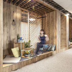 Work-Friendly Office Spaces by Metaforma Group 4