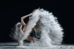The Explosive Movements of Classical Dancers – Fubiz Media
