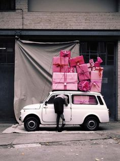 bluepoolroad: delivering presents! #lifestyle #photography