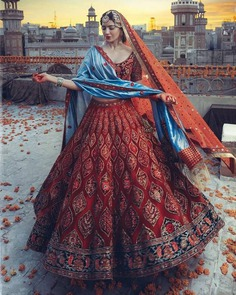 twirling-bridal-portrait-of-stunning-bride