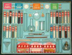 Chemistry sets #layout #vintage #chemistry