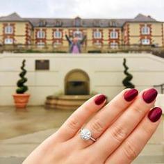 Sparkling diamond engagement ring