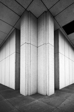 Jacob Huff Portfolio 2011 #symmetry #photography #architecture