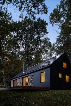 Old Stone Retreat Featuring Modern Rustic Design 12