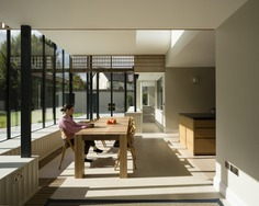 Glass Ribbon by Scuillion Architects