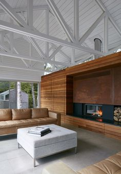 Mirror Point Cottage by MacKay-Lyons Sweetapple Architects 6