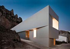 House On The Rocks by Fran Silvestre Architects | Yatzer™ #light #architecture #minimal #contract