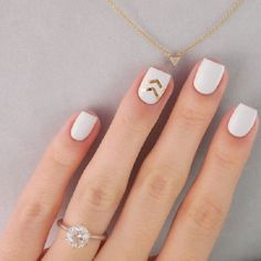 45 Gold Nails You Wish to Try
