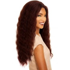 Purchase Online Sleek New Spotlight Human Hair Lace Parting Wig Poppy at Cosmetize UK. With a lightweight cap, airy and cool, Spotlight lace front wigs can also be adjusted for the perfect fit. The hairline looks natural and realistic due to the intricate hand tying technique.