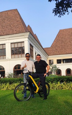 Live grand, Travel green. New addition to our ever-growing list of partnerships. Grand Hyatt Goa and B:Live have come together to offer you experiences that are refreshing, enriching and nature-friendly. Enjoy a specially curated Grand Hyatt tour on our effortless, eco-friendly e-bikes.