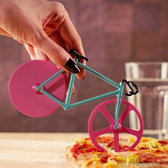 Fixie Bike Pizza Cutter #tech #flow #gadget #gift #ideas #cool