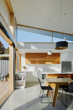 Glide House: Sun-Filled Creative Home by Ben Callery Architects 5